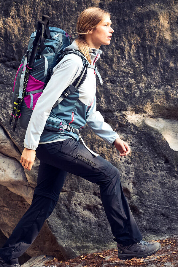 Mood image HIKING OUTFIT WOMEN
