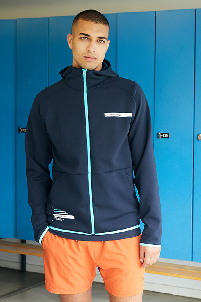 SPORTS OUTFIT MEN
