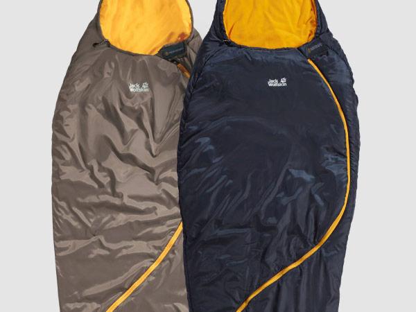 Gros plan de sacs de couchage